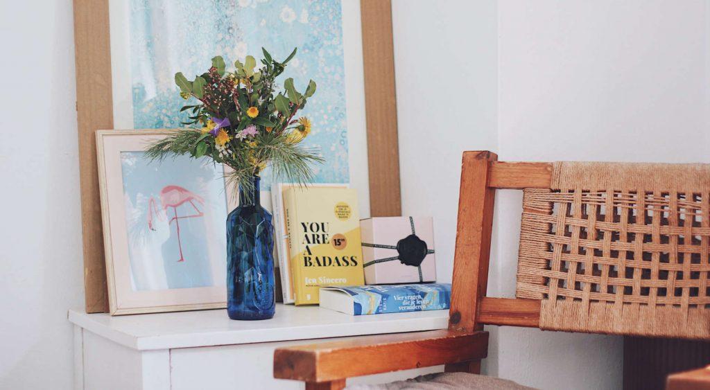 Zet een bos bloemen neer om je huis meer als thuis te laten voelen